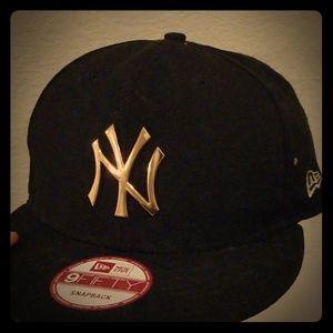 snapback hat cap
